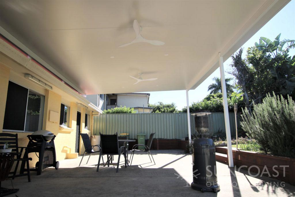 Covered patio area with insulated roof
